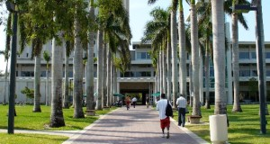 universidad-miami-biblioteca